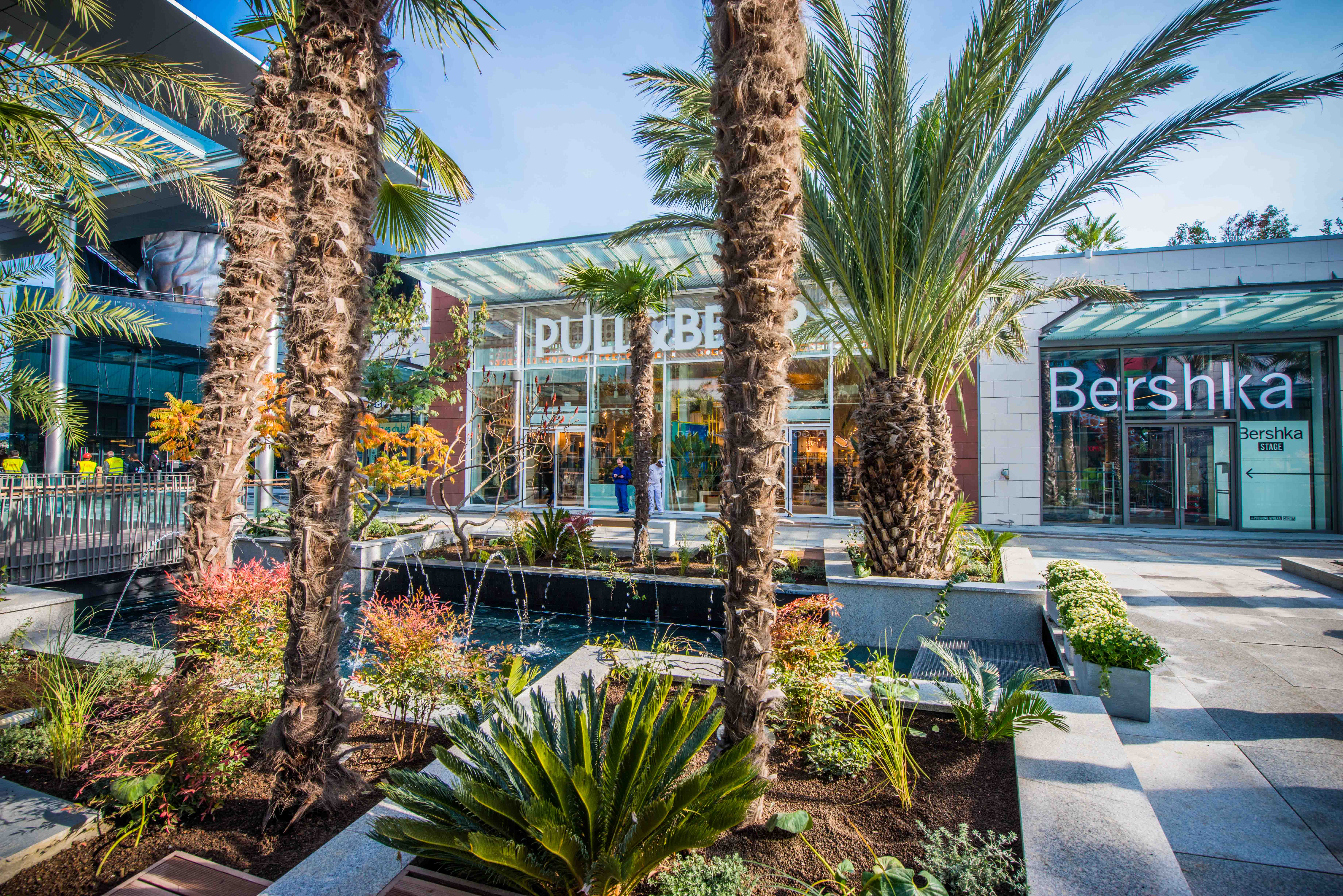 blog mister riviera c te d 39 azur polygone riviera ouvre ses portes cagnes sur mer. Black Bedroom Furniture Sets. Home Design Ideas