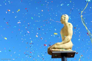 Carnaval de Nice - Côte d'Azur - Corso Carnavalesque avec Confettis - Place Massena - Nice Carnival French Riviera 2015 - Photo Mickaël Mugnaini pour Blog Mister Riviera
