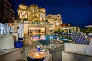 Hôtel Metropoole Monte Carlo - Piscine créee par Karl Lagerfeld - L'été arrive à Monaco, apéro trendy sur la Côte d'Azur - Photo L. Galaup - Blog Mister Riviera 2016