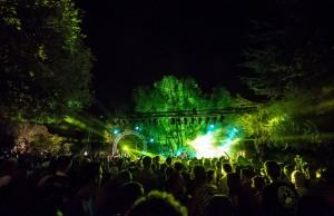 Le Mas des Escaravatiers Programme 2016 - Concert Puget sur Argens, Var, Côte d'Azur - Lou Doillon, The Kitchies, Yuri Buenaventura - Live Piscine - Blog Mister Riviera 2016