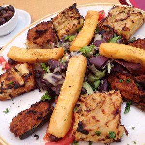 Label Cuisine Nissarde 2016 - Assiette Mixe : petits farcis niçois, pissaladière, panisses au restaurant Lu Fran Calin dans le Vieux Nice - Blog Mister Riviera 2016
