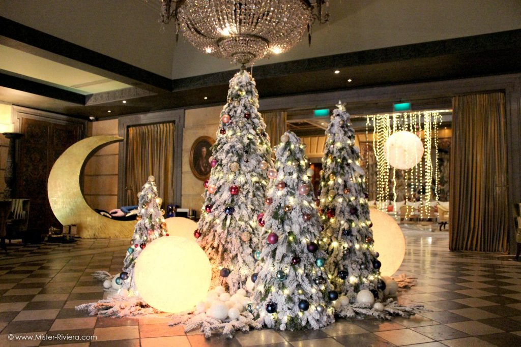lhotel-metropole-monte-carlo-aux-couleurs-de-noel-2016-metropole-moonlight-christmas-monaco-illuminations-et-decoration-de-noel-monaco-blog-mister-riviera-cote-dazur-2