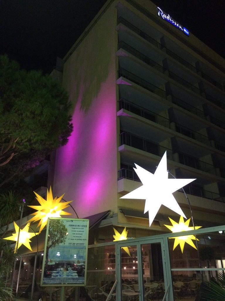 nicepromlights-par-gaspare-di-caro-hotel-radisson-blu-nice-promenade-des-anglais-noel-a-nice-cote-dazur-blog-mister-riviera-2016-photo-radissonblunice
