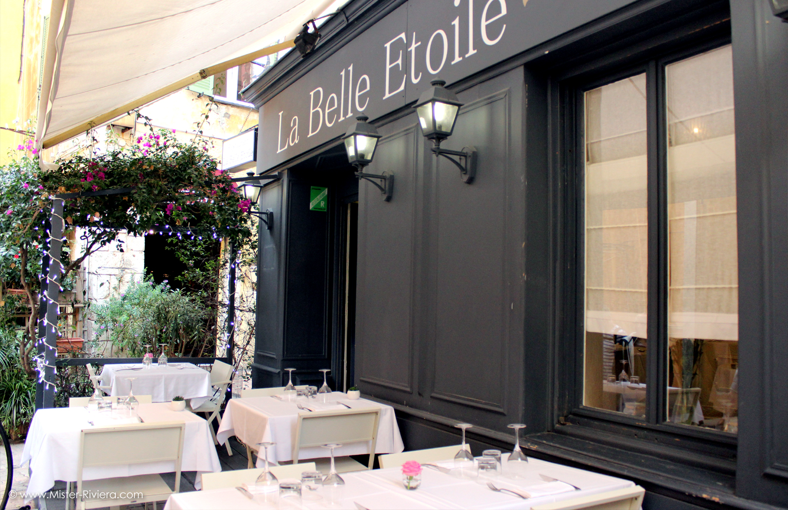 Restaurant Dans La Vieille Ville  Ef Bf Bd Antibes