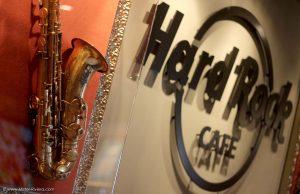 Hard Rock Café Nice : Le saxophone de Coleman Hawkins pour le Nice Jazz Festival - Blog Mister Riviera - Blog Côte d'Azur