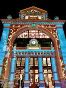 Pour Noël, l'artiste Gaspare Di Caro illumine la Gare du Sud à Nice - Blog Mister Riviera, Côte d'Azur France 2019