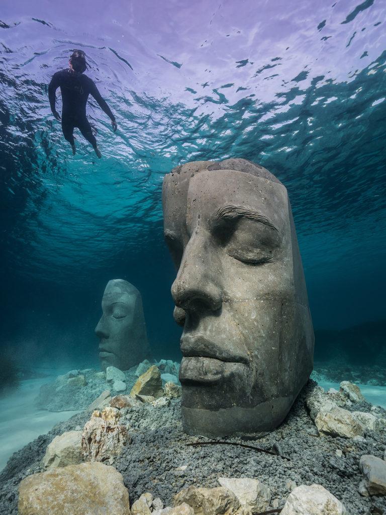 Côte d'Azur insolite : découvrez 6 lieux originaux sélectionnés par le blog Mister Riviera - Statues immergées au large de Cannes